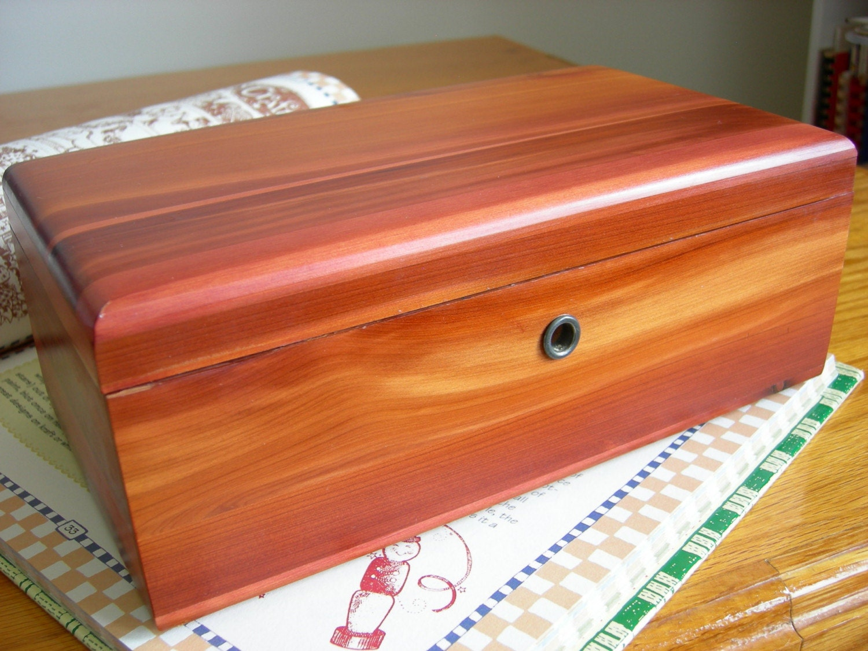Vintage LANE CEDAR CHEST TRINKET JEWELRY Box 1972