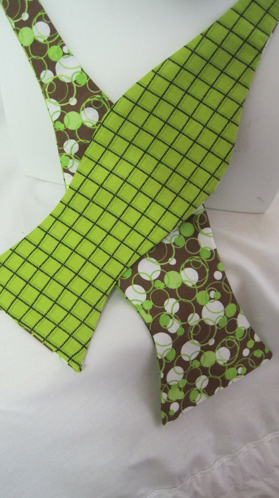 Reversible Green Plaid Men's Bow Tie