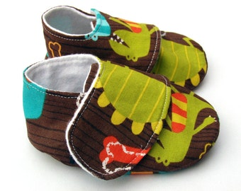Baby shoes - boys - soft sole - 0-6 months in dino dudes  - SALE