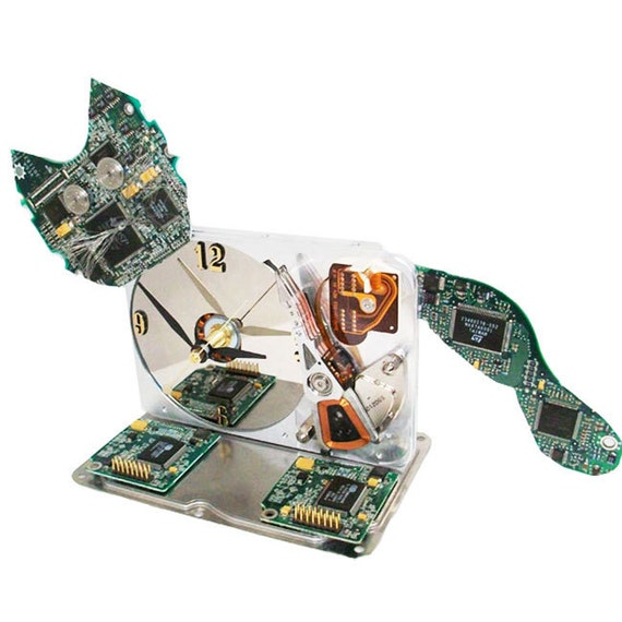 Meow...Computer Hard Drive Clock Transformed into a Cat, a Great Upcycle. (H)