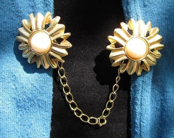 Daisy Sweater Clip- Upcycled