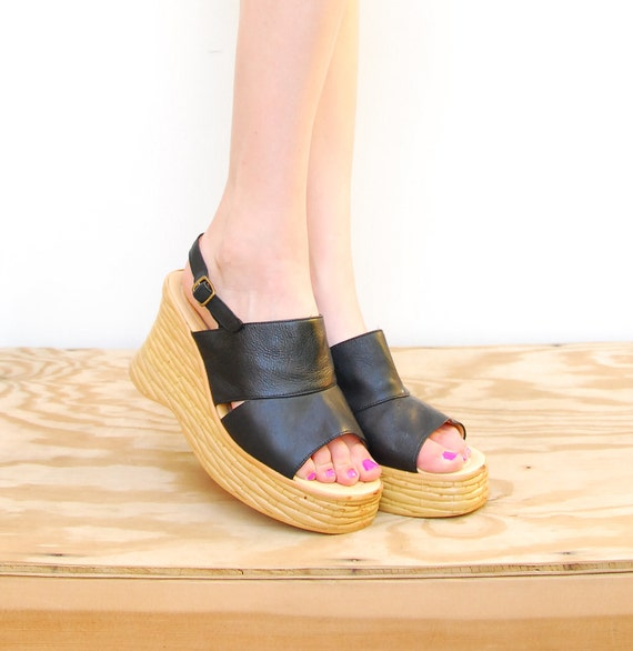 VINTAGE Black Leather Platform Wedges - Open Toe Festival Wedges - Boho Hippie Wedges - Spain Shoes - SIZE 7 EURO 37