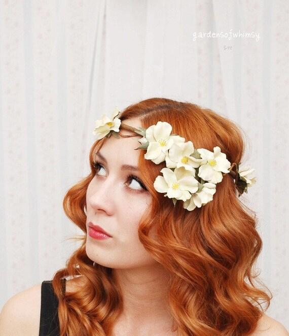Medieval bridal head piece, wedding flower crown, floral head wreath, hair accessory - Isolde