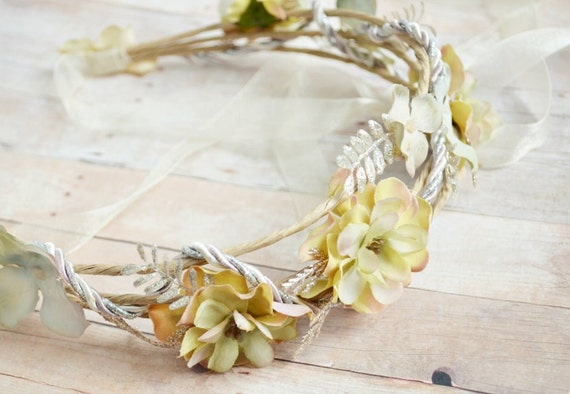 Renaissance head wreath, cream flower crown, bridal tiara, hair accessories - Midsummer's eve