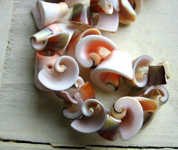 30pcs Lovely Spiral Natuarl Shell Beads Coral Pink Beige Brown Mixed