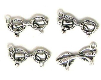 4 Silver Plated Eyeglasses Charms Glasses Specs