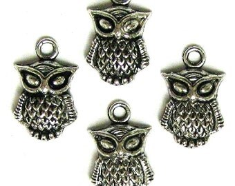 4 Silver Plated Owl Charms Owls No. 2