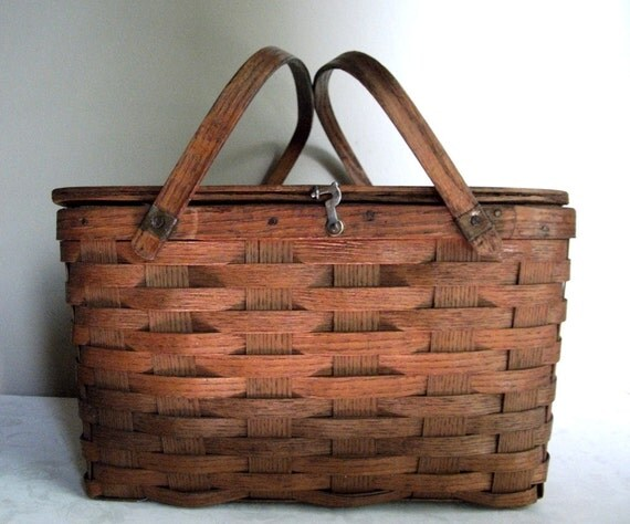 Picnic Basket Pie : Vintage pie basket picnic in the park by theuniquebird on etsy
