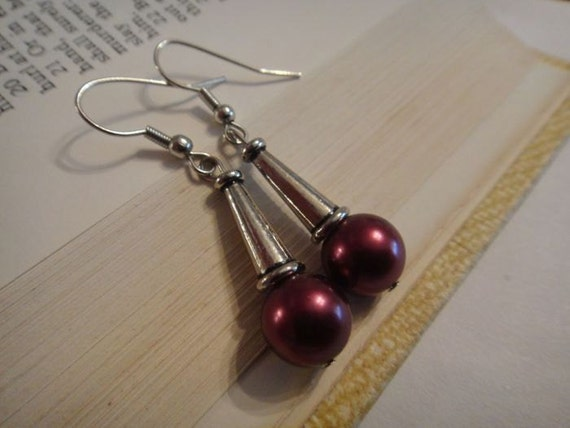 Maroon Pearl with silver plated ear wire E-81