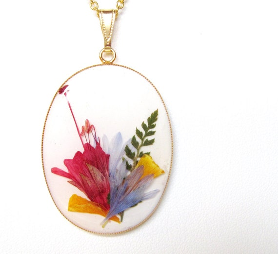 Bouquet, Pressed Flower Pendant, Real Flowers in Resin (800)