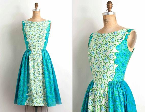 vintage 1950s dress / 50s graphic floral print cotton sundress (small)