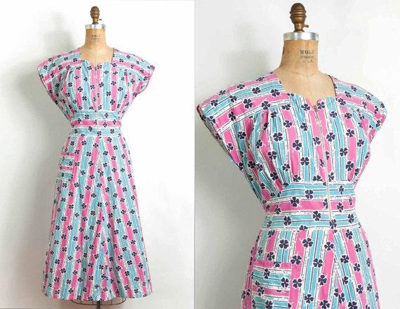o n h o l d.................1940s dress / 40s novelty print cotton dress / striped clovers (large)