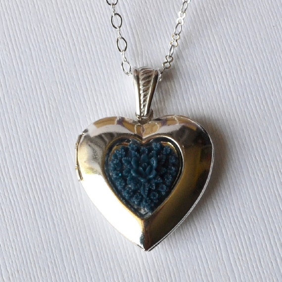 Midnight Zoey Locket - Silver Heart Locket with Dark Navy Blue Bouquet - Shipped with Your Custom Photo Inside