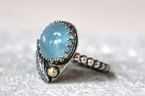 Aquamarine ring silver size 7 and 14k gold detail. March birthstone. Sterling silver ring with sky blue aquamarine