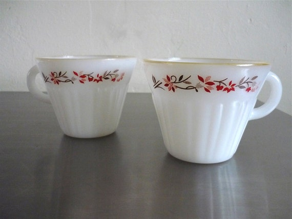 Vintage Housewares 70's Milk Glass Cups, Floral, White, Set of Two by Termocrisa 188 FreshandSwanky on Etsy