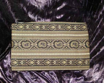 Black and Tan Paisley Striped Magnetic Purse Cover