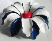 vintage flower power enamel brooch (red white and navy daisy)