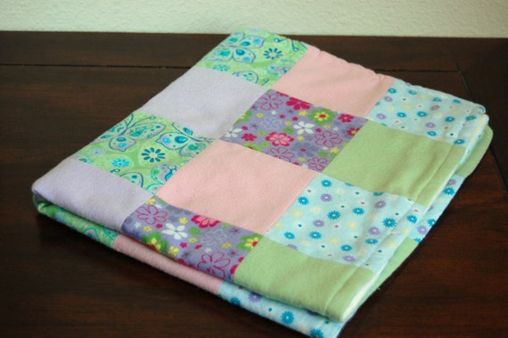 RESERVED for Brandie: Spring flowers quilt and tweet bird burp cloth set