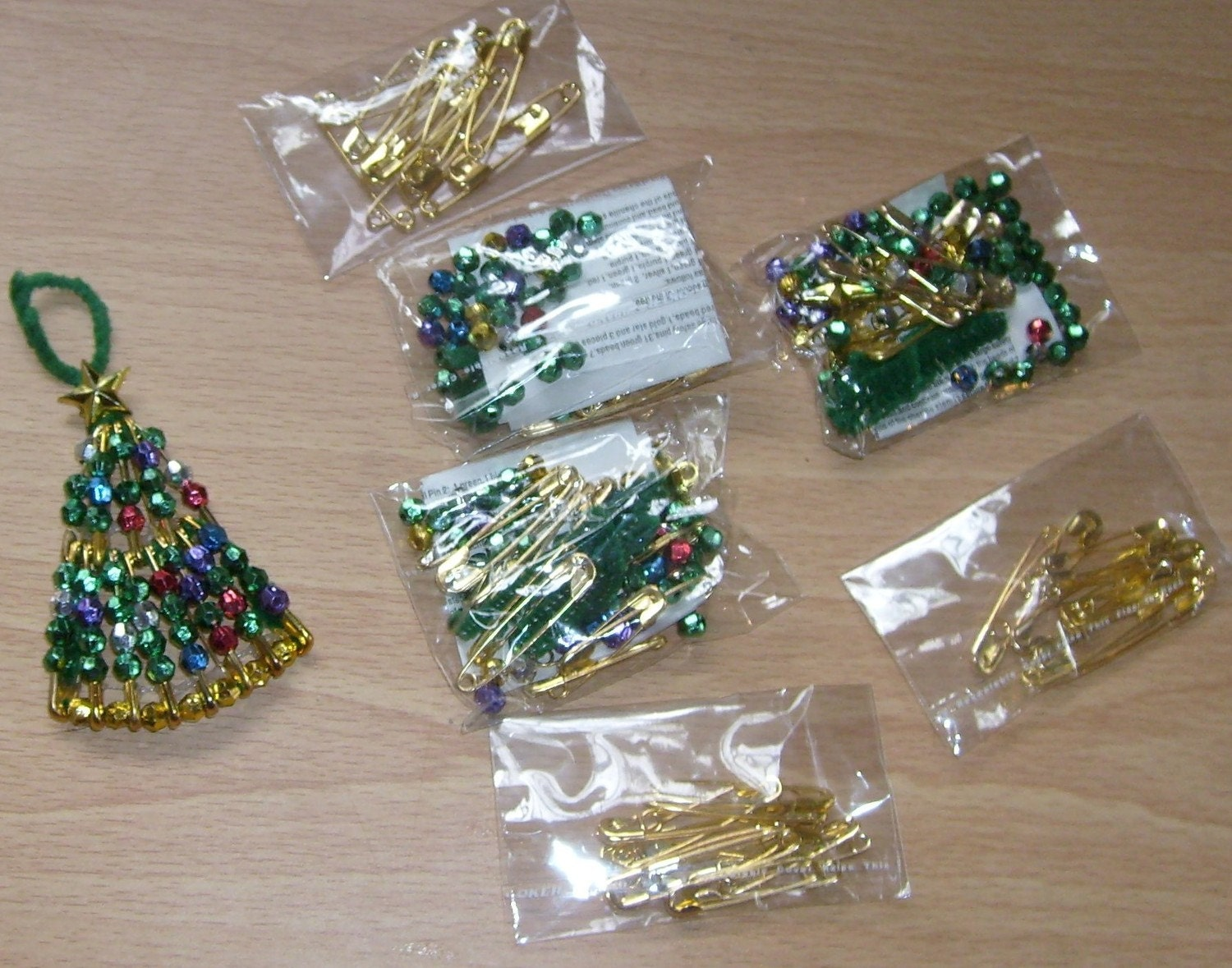 3 GOLDTONE SAFETY PIN BEADED CHRISTMAS TREE ORNAMENT KITS