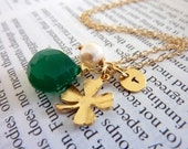 Custom Initial and Stone - Green Onyx Pearl Custom Initial Disk Golden Clover Leaf Necklace in 14k Gold Filled Chain