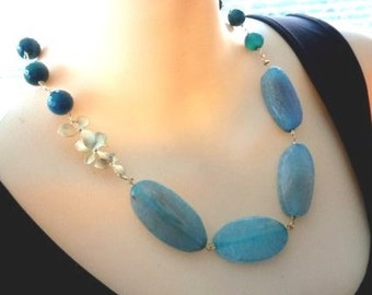 SEA TEAL BLUE AGATE TRIPPLE 16KT GOLDEN ORCHID NECKLACE