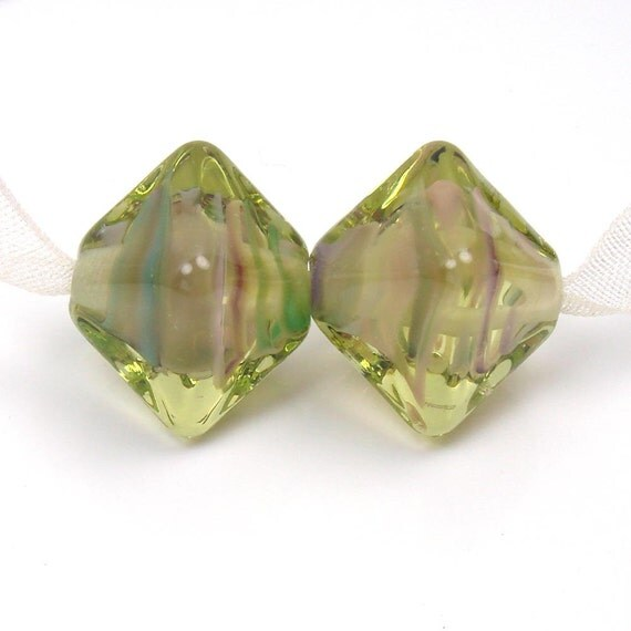 Lampwork beads -  Will 'o the Wisp  -  Spring Green Crystals, earring pair, glass beads