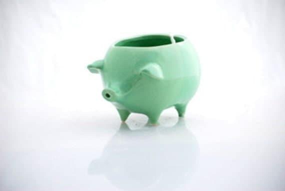 Yarn bowl, ceramic pig yarn bowl, mint green, crochet bowl, knotter gift READY TO SHIP