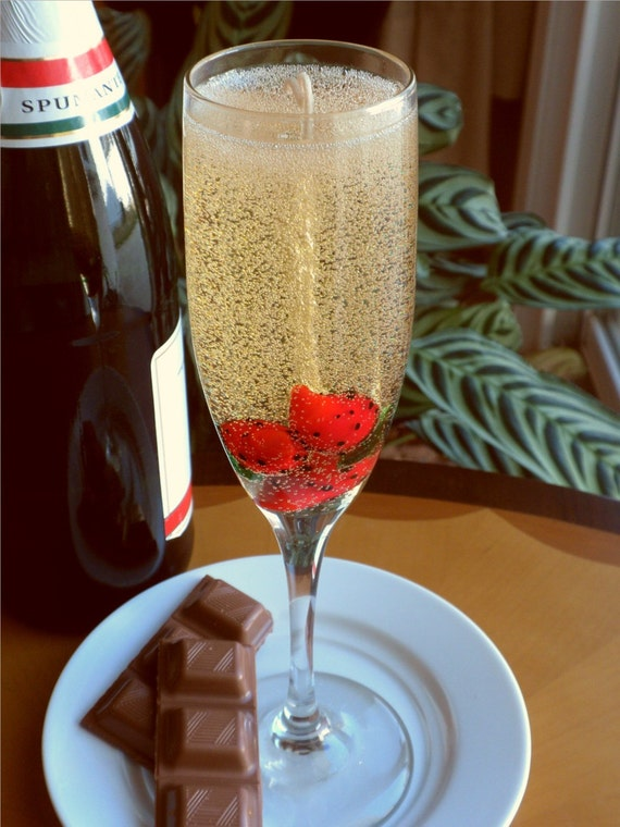 Strawberries and Champagne Gel Candle
