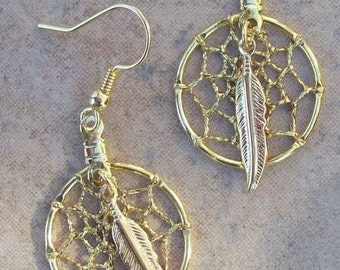 DREAMCATCHER Earrings with gold feather