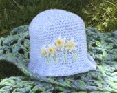 Daffodils  - baby hat -  6-12 months