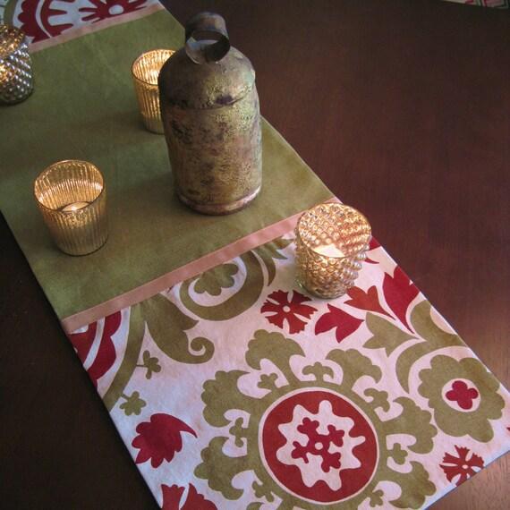 Tavolo moderno lino runner in rosso antico e verde salvia per - Runner da tavolo moderno ...