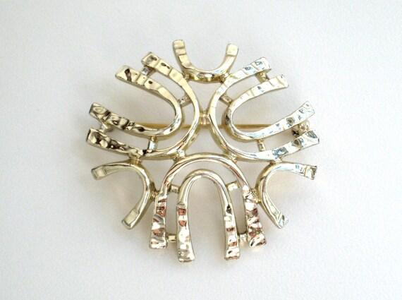 Vintage brooch sarah coventry sea sprite pin jewelry for Vintage sarah coventry jewelry catalog