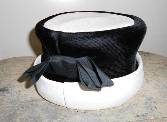 Vintage Hat Black Velvet and White Leather  Pillbox  with  Bow 1960'S MOD