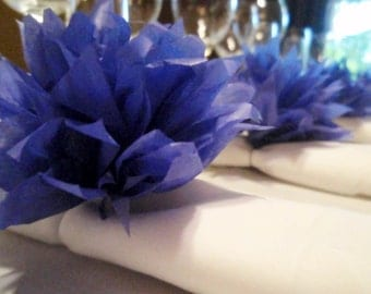 10 Blueberry Paper Dahlia Napkin Rings. Perfect for eco-weddings, cute baby showers, hip dinner parties. Pom Pom