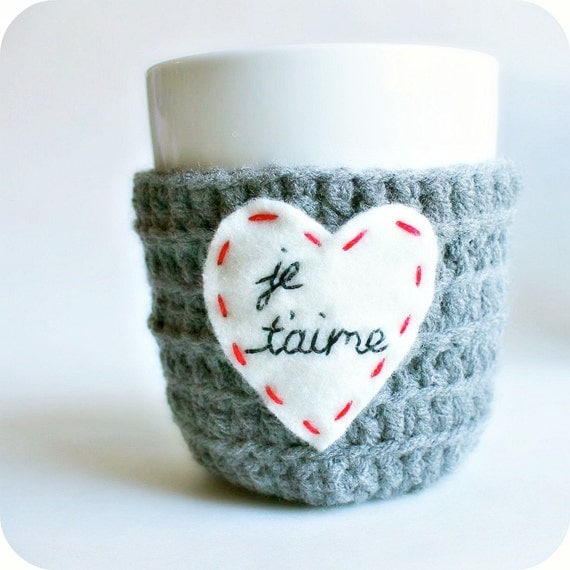 Coffee Mug Cozy, Valentine's Day, love heart, french, Paris, red white gray crochet cover