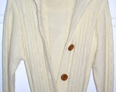 1977 Vintage Jean Nicole Long Hooded Cable Knit Sweater (Juniors M)