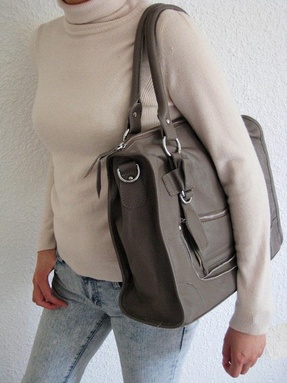ON SALE  Leather bag clip on laptop (17in MacBook Air/ Pro) messeger satchel purse shoulder cross body bag LARGE in Grey
