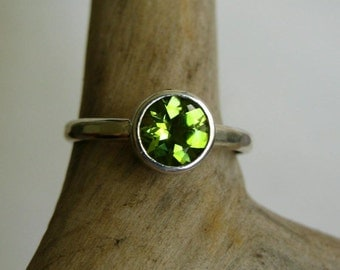 Peridot Solitaire ring in Sterling silver - Handmade Jewellery Designed by Metalmorphoz - Custom