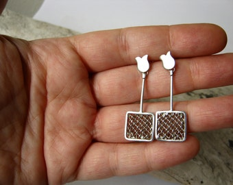Square Hand Woven Mesh dangle Earrings with hand cut Tulip design - Ready to ship