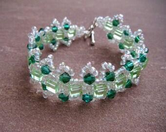 Green Daisy Chain Cube Bracelet