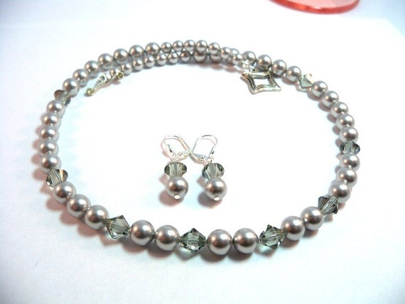 Gray,  Grey Necklace,  Gray Earrings, Gray Necklace, Necklace Earrings, Bridesmaid Jewelry, Wedding Accessories, Pearls, Crystal, Dressy