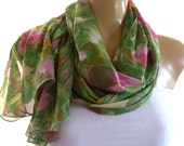Green and gold long chiffon scarf  pink and green floral chiffon scarf with gold  Crinkled Chiffon-Parisian Neck Tissu...