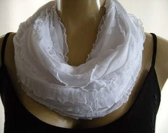 White ruffled infinity scarf  cowl Flamenco Necklace Scarf-Le dernier cri