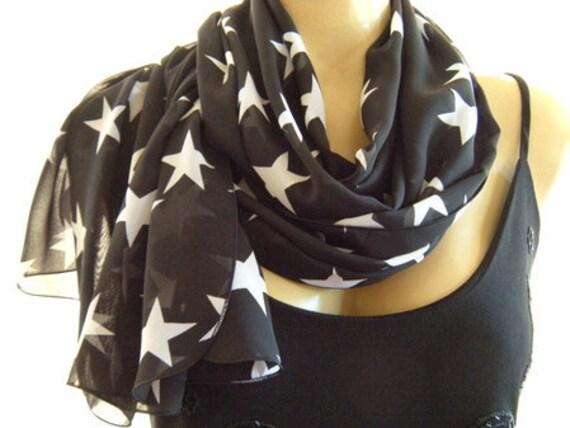 Wear your stars....Black and White..Parisian Neck Tissu