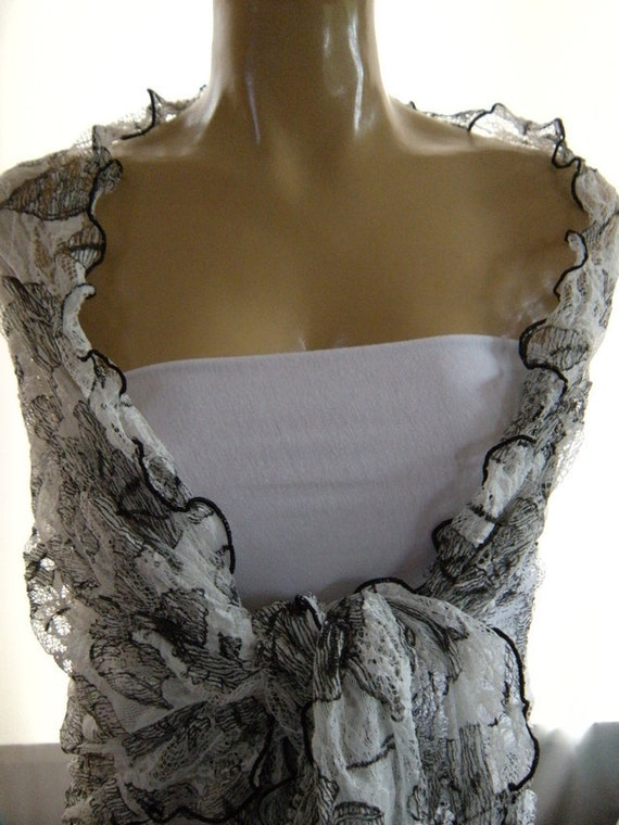 last one..Black and white...Gorgeous...Lace Shoulder Rag.....Pure Sophistication....