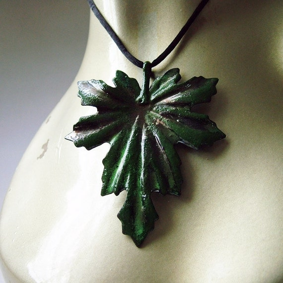 Enameled Steel Club Moss Pendant