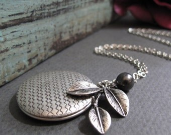 Antique Silver Locket, Long Vintage Style Necklace, Leaf Pearl Locket Necklace, Long Chain - BLACKBERRY