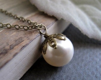 Ivory Pearl Necklace, Swarovski Pearl Pendant Necklace, Vintage Inspired Necklace, Antique Gold - INNER GLOW