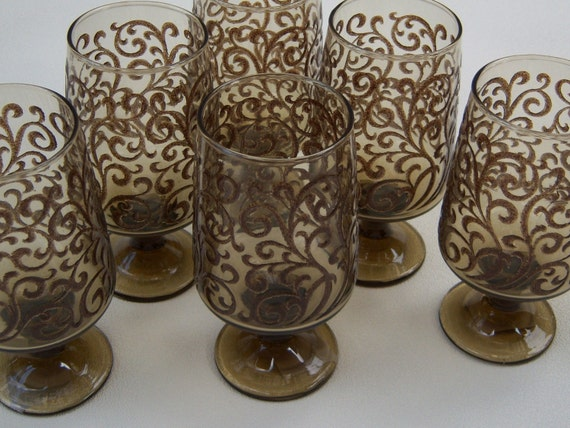 Vintage- embossed drinking glasses