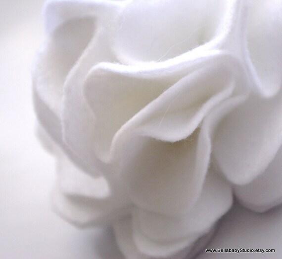 Large White Felt Dog Collar Detachable Flower Accessory